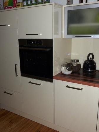 Küchen die vor allem für rollstuhlfahrende oder gehbehinderte bzw eingeschränkte personen geeignet sind gibt es nicht von der stange